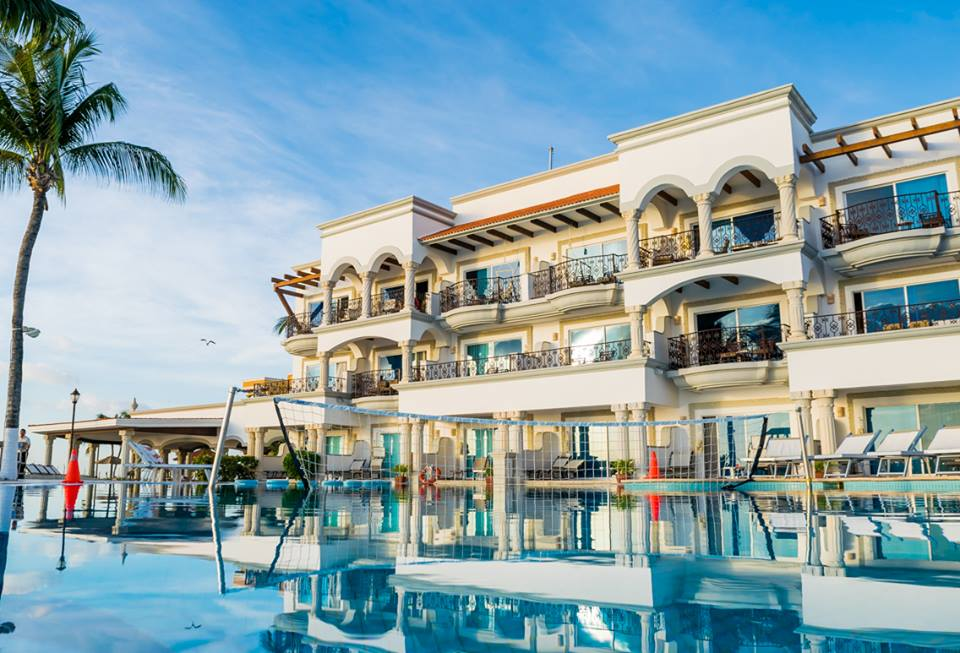 Pool at Hilton Playa del Carmen