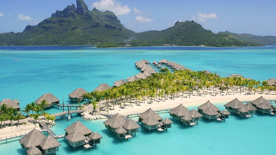 Tahiti - St Regis Bora Bora