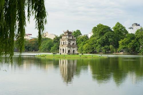 vietnam hoan kiem lake
