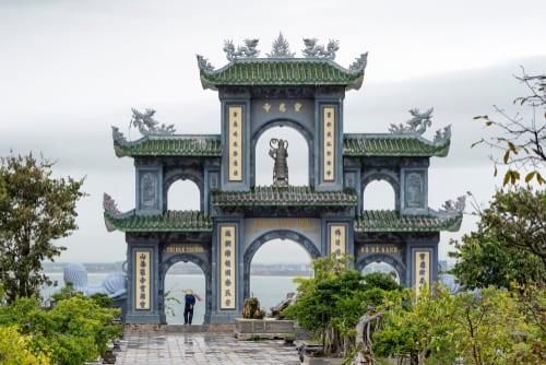 vietnam linh ung pagoda