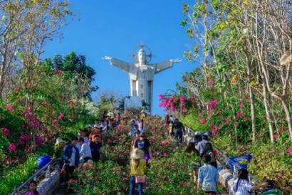 vietnam vung tau jesus statue