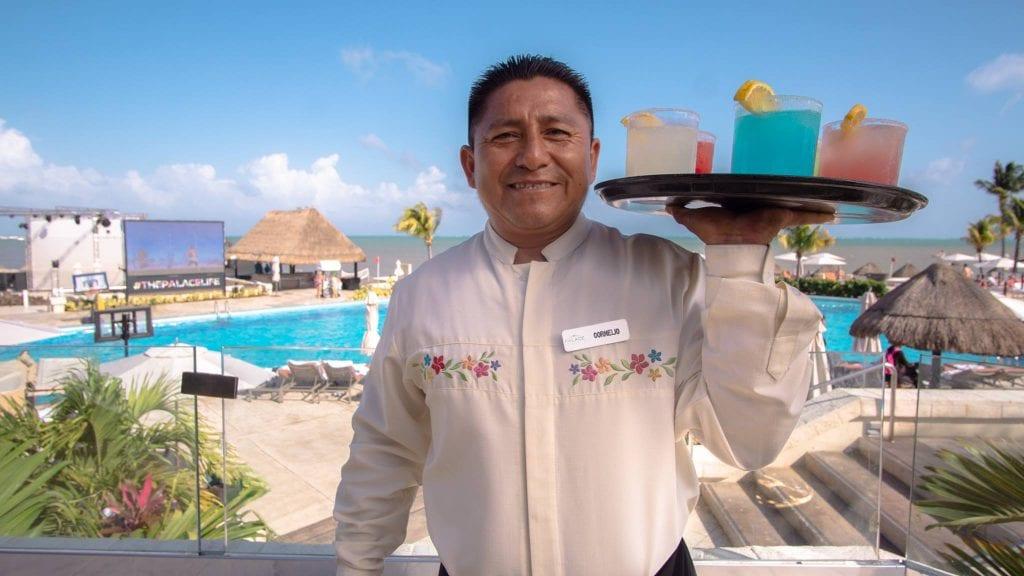 moon palace cancun service